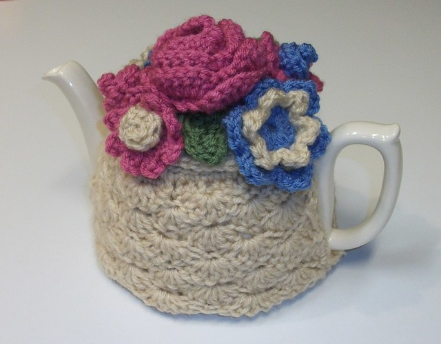 Free Pattern Friday: Mary Engelbreit Teapot Pincushion Crochet Pattern