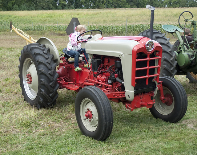 Ford 800 Tractor : Sitting on a ford tractor at the ayres knuth fall farm