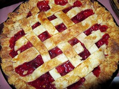 pie, meal, linzer torte, baked goods, produce, food, dish, dessert, cherry pie, cuisine,