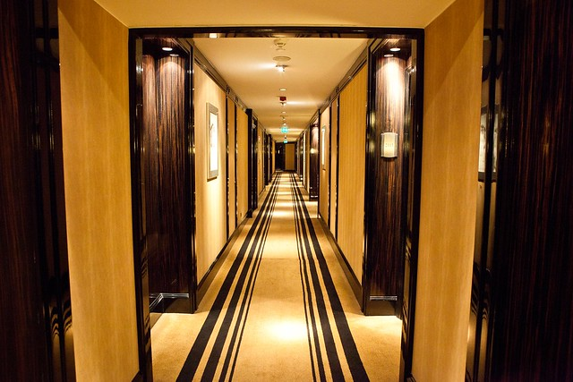 Art deco corridor flickr photo sharing - Deco corridor schilderij ...