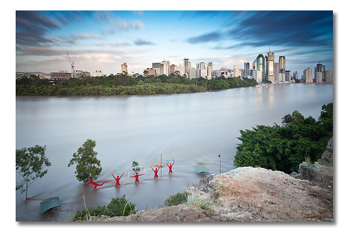 Feel The Quiet River Rage (Brisbane Flood Peak @ Kangaroo Point - January 13th 2011)