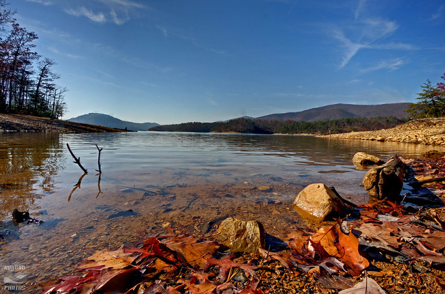 Best places to see fall colors in the blue ridge mountains for Carvins cove fishing