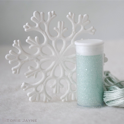 Glass marbling snowflakes