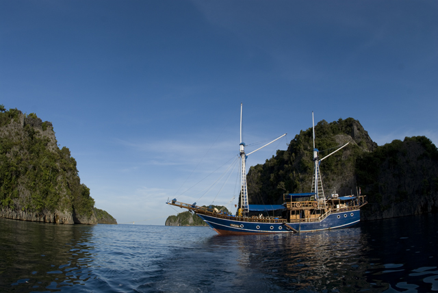 RAJA AMPAT SOUTH & NORTH EXPEDITION