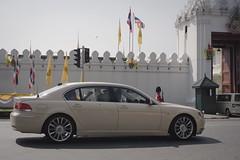 performance car(0.0), automobile(1.0), automotive exterior(1.0), executive car(1.0), wheel(1.0), vehicle(1.0), automotive design(1.0), bmw 7 series(1.0), sedan(1.0), personal luxury car(1.0), land vehicle(1.0), luxury vehicle(1.0),