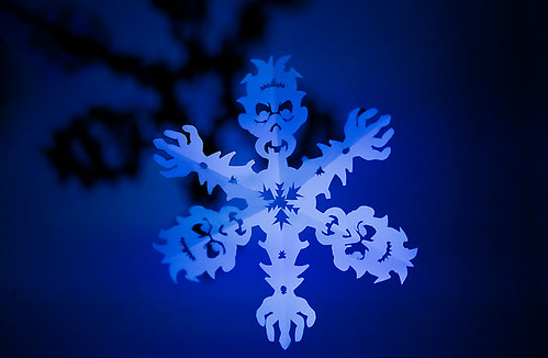 Zombie Snowflake Papercraft (blue light)