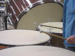 timbale(0.0), timpani(0.0), tom-tom drum(1.0), percussion(1.0), bass drum(1.0), drummer(1.0), snare drum(1.0), drums(1.0), drum(1.0), skin-head percussion instrument(1.0),