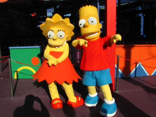 Meeting Lisa and Bart near The Simpsons Ride