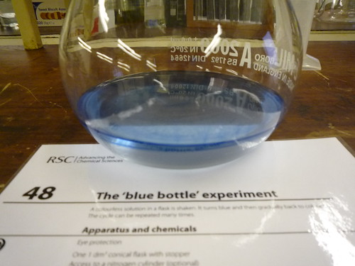 The 'blue bottle' experiment