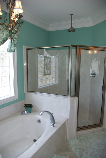 Custom Bathtub Shower Bathroom Design