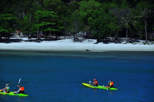 Kayaking in Angthong Marine Park - Koh Samui, Thailand ...