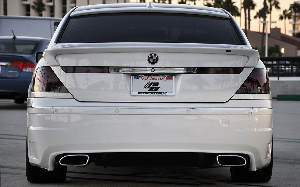 BMW 7 Series E65 E66 White 745LI Rear Bumper And Diffuser With Dual Exhaust