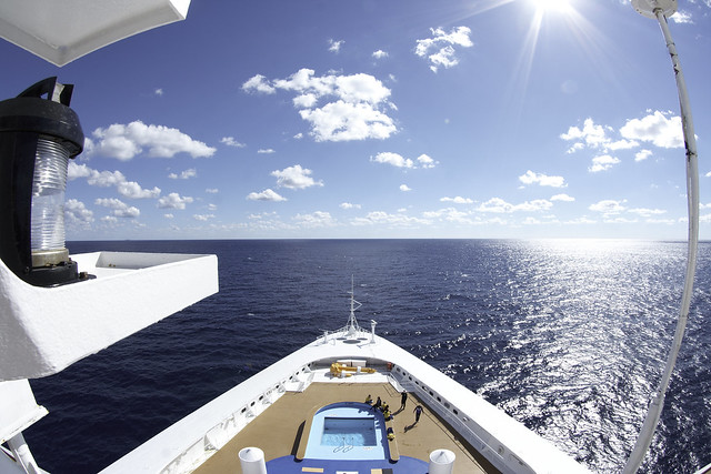 Cruise ships views in the caribbean sea by flickr user |vvaldzen|