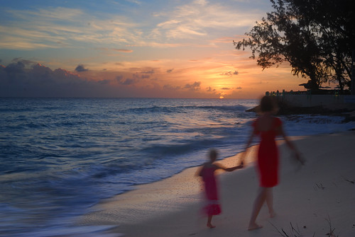 ladies sunset red sea sky people tree beach clouds nikon shore barbados 24mmf28 d80