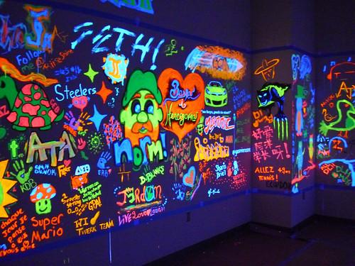 Black Light Paint Designs? : Grasscity Forums