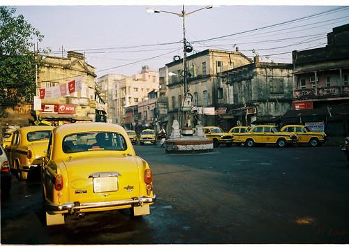 Tên gọi taxi được xuất phát từ đâu?