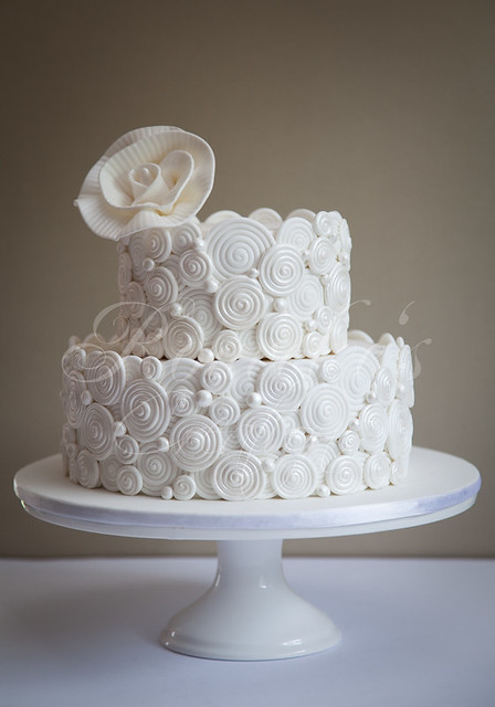 2 Layer Cake Designs http://www.flickr.com/photos/rouvelee/5469807274/