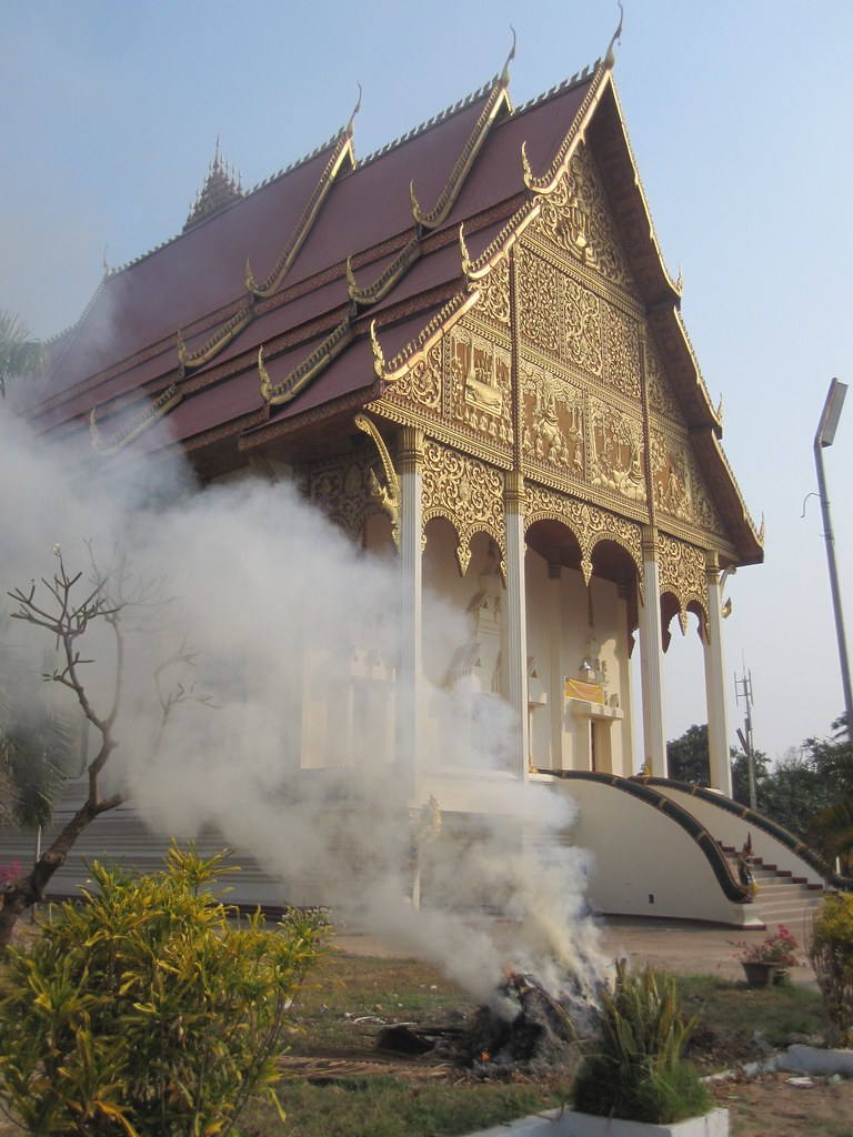 Smoke Free Temple - Laos
