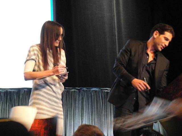 Sarah Wayne Callies And Jon Bernthal PaleyFest 2011 - The W...
