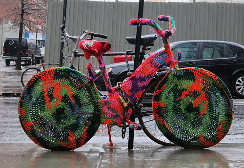 brooklyn, dumbo, front street, knitted bike