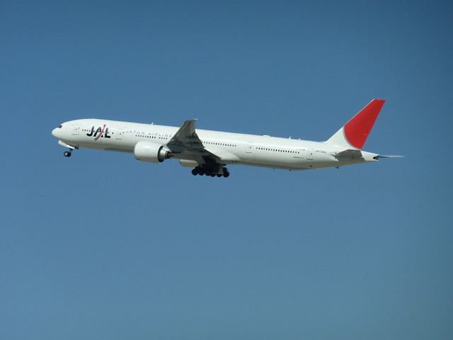 Japan Airlines Boeing 777 jet JA739J seconds after take-off from LAX