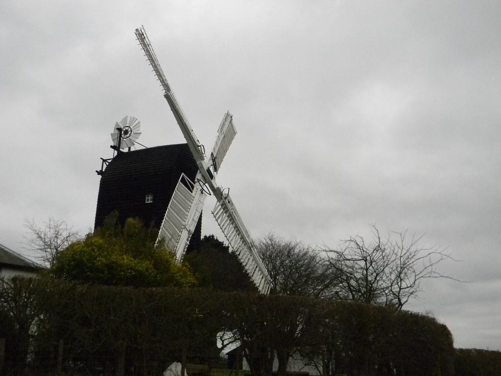 Windmill near Icklesham Winchelsea Circular variant along the ridge
