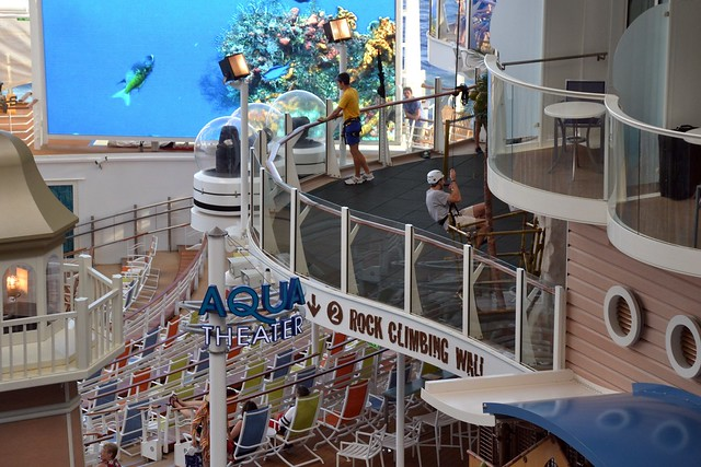 Allure of the Seas - Aqua Theater