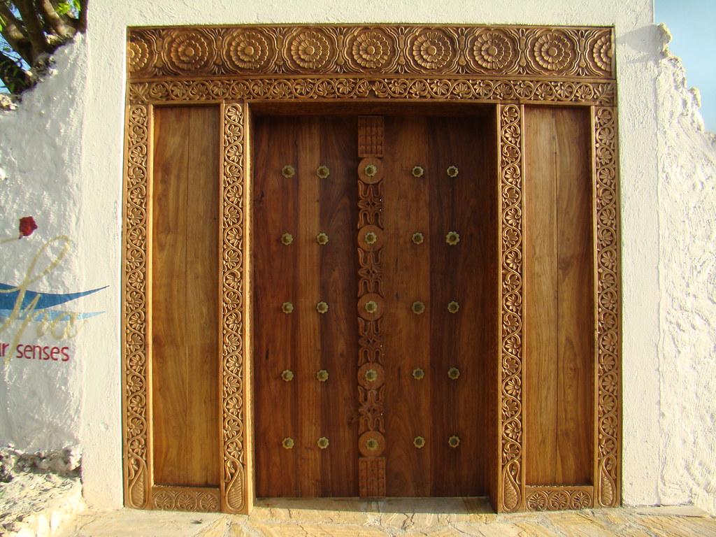 puerta Stone Town Zanzibar Islas Tanzania