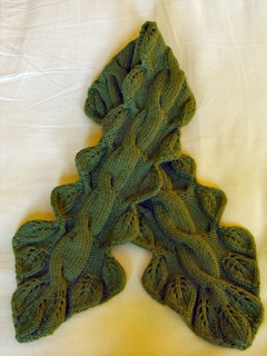 Twisted vine neckwarmer