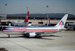 American Airlines Boeing 767-223ER; N321AA@ZRH;04.04.1995