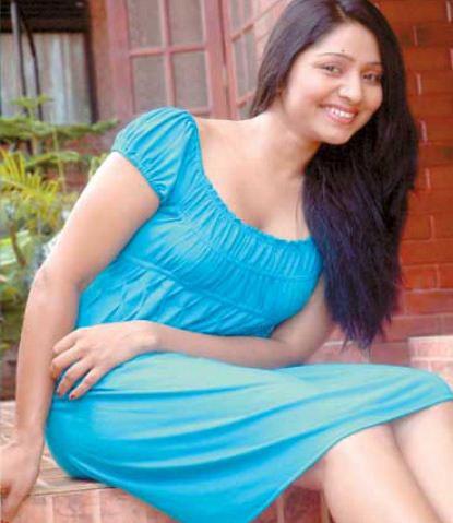 Lankan Actress Udayanthi Kulathunga Hot Pics ... Udayanthi Kulathunga Hot