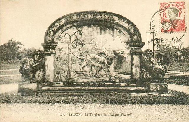 SAIGON - TOMBEAU DE L'EVEQUE D'ADRAN