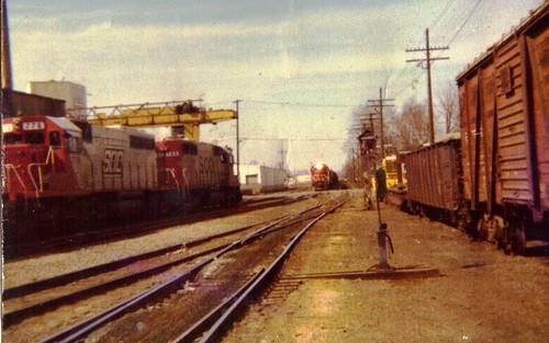 railroad wisconsin line sooline soo meet emd sd402 neenah