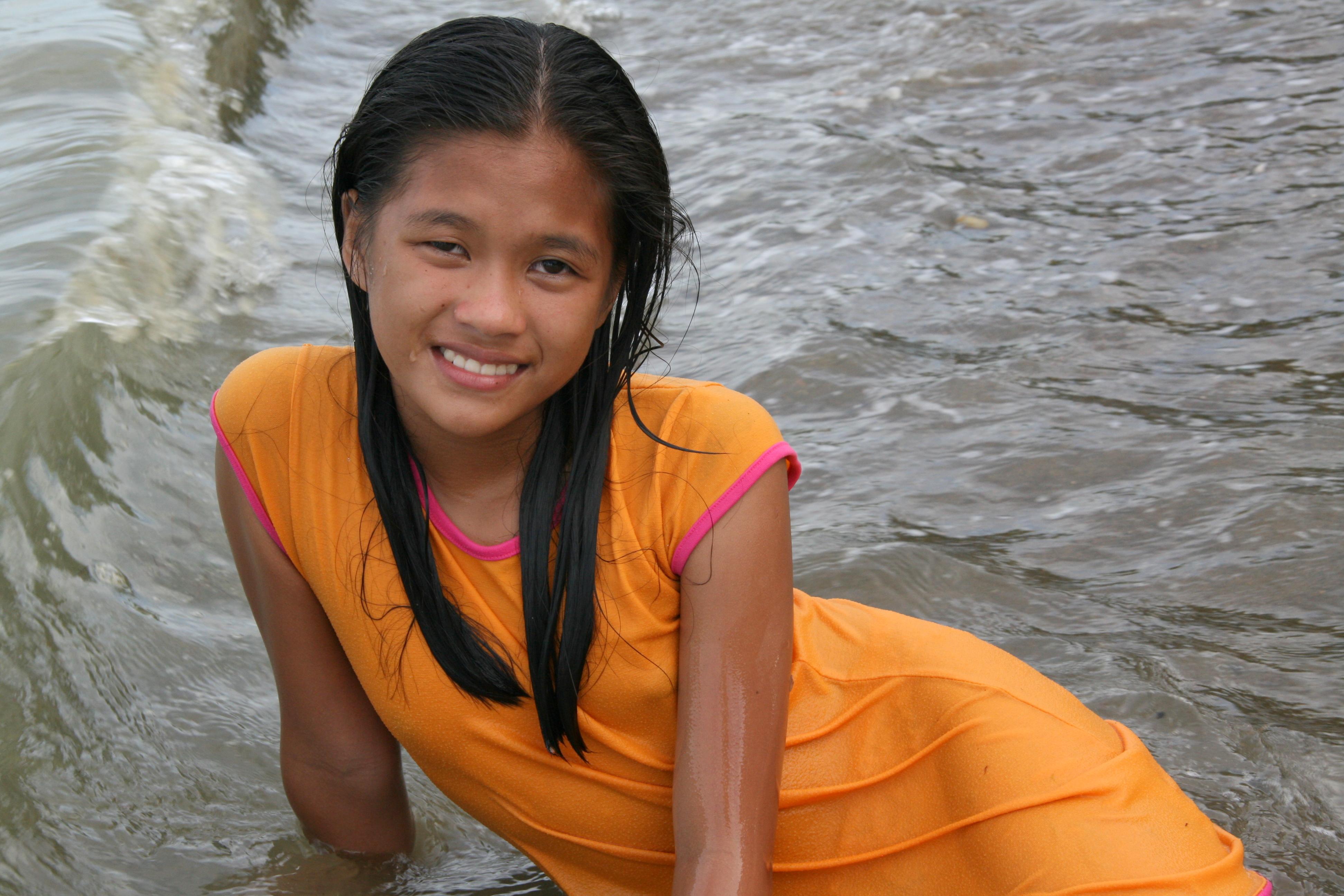 Filipina teen tube