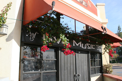 El Cajon - Downtown Cafe has Live Music