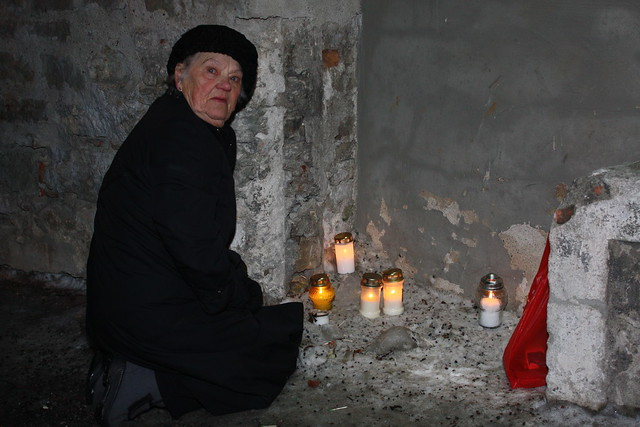 Ambassador and Mrs Polt at March 1944 Tallinn Bombing Memorial Candle Lighting Event, March 9, 2011