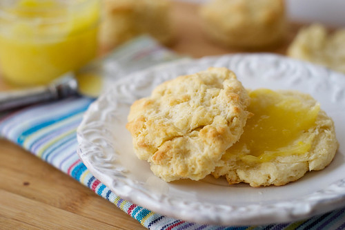 Buttermilk Biscuits with Lemon Curd