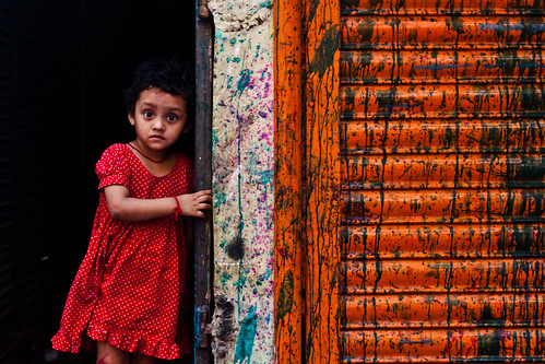 Wonder girl in wonderland [... Sakharibazar, Old Dhaka, Bangladesh...]