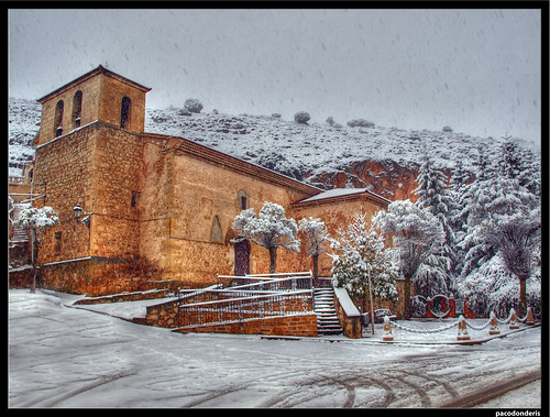Iglesia nevada, en Alcoroches (remastered)
