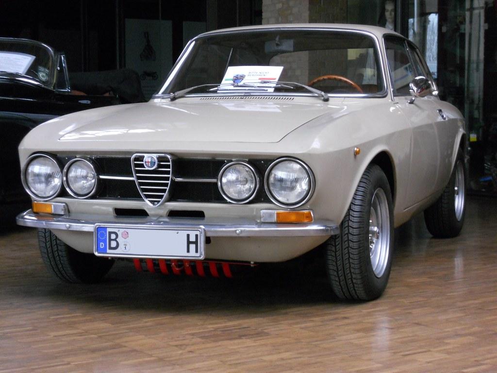 Alfa Romeo Gt 1300 Junior Bertone Coup A Photo On Flickriver Modifications