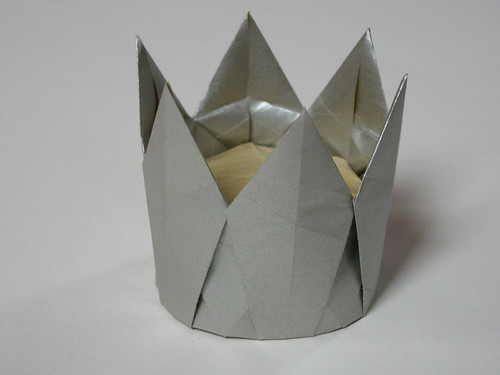 6-pointed crown