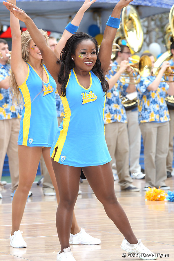 UCLA Dance Team 031