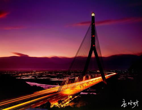 高雄斜張橋