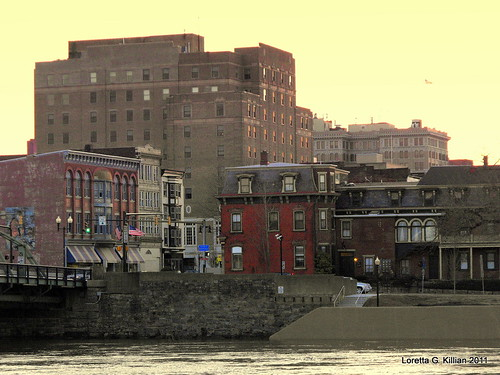 winter sunset urban architecture evening twilight downtown cityscape waterfront diverse pennsylvania pa riverfront magichour lehighvalley riverfrontpark eastonpa goldenglow northamptonstreet freebridge northamptoncounty northamptonstreetbridge old22