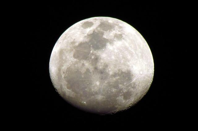 Photo - Moon close up ...