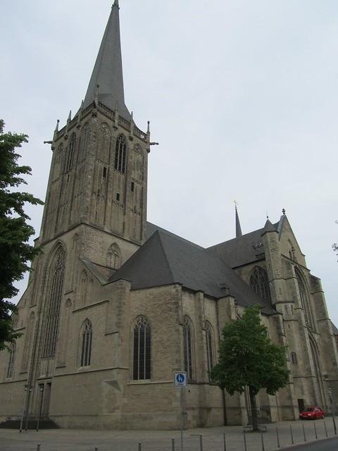 Einen kleinen Dom (Was immer noch eine große Kirche ist)