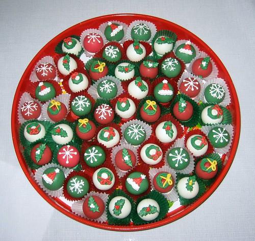 Cake Design Dragon Ball : Cake Pop and Cake Ball Ideas: Christmas cake balls tray