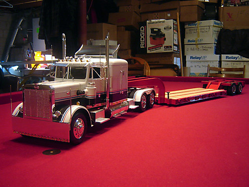 Monogram 1/16th scale Peterbilt 359 with Talbert Lowboy