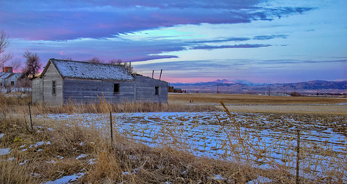 morning winter usa snow field clouds sunrise canon fence landscape scenery colorado unitedstates farm scenic fortcollins oldhouse western homestead plains 1022 canon1022mm larimercounty t2i