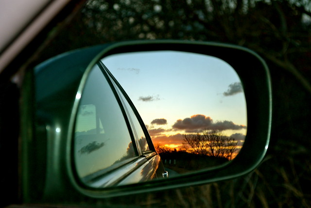 Car mirror definition meaning for Mirror meaning
